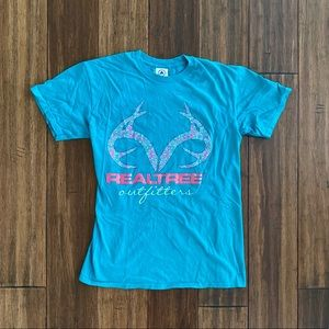 ⭐️ Realtree Outfitters Teal T Shirt size Small